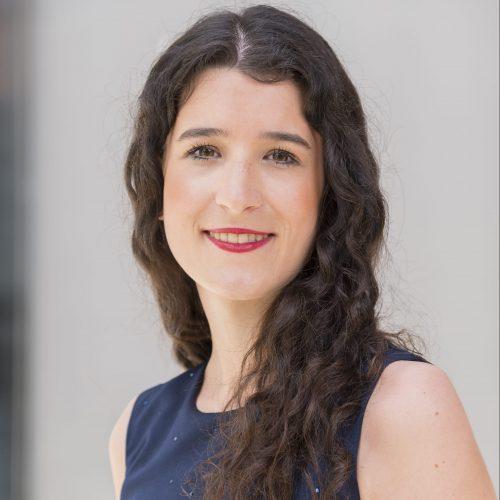 Teresa NeulichedlDieser Punkt geht an Sie.  | Junior Consultant – Junior Beraterin